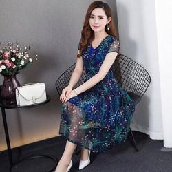 Đầm xanh hoa nhí