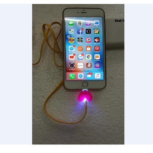 Cáp sạc cho iPhone hình trái tim có đèn LED