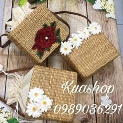 Túi cói vuông hoa cúc, hoa hồng