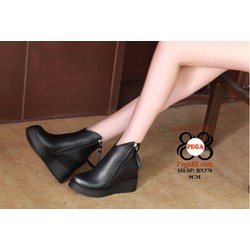 Giày boot nữ cổ ngắn sành điệu