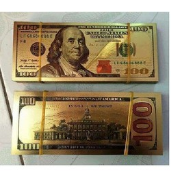 TIỀN 100 USD  TRƯNG BÀY