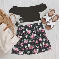 Sét áo bẹt vai croptop và chân váy hoa