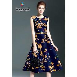 Đầm xòe in hoa xanh sát nách