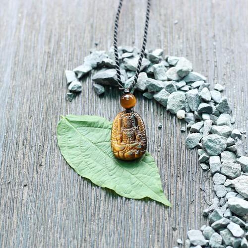 Mặt dây chuyền Bất Động Minh Vương đá mắt hổ 2x2.7 cm