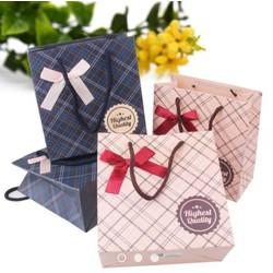 Túi đựng quà tặng hàng loại đẹp 20*20*8cm
