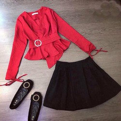 Set chân váy xếp ly kèm áo đắp chéo