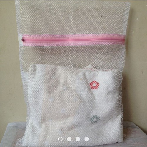 Túi lưới giặt đồ cho máy giặt loại lớn 50*60cm - 5220152 , 8616942 , 15_8616942 , 20000 , Tui-luoi-giat-do-cho-may-giat-loai-lon-5060cm-15_8616942 , sendo.vn , Túi lưới giặt đồ cho máy giặt loại lớn 50*60cm