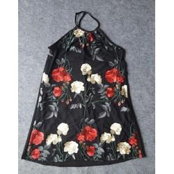 Đầm cổ yếm phối ren thêu hoa