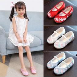 Giày sandal cho bé gái mang tết cực kỳ lạ đẹp
