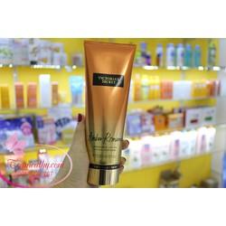 Kem dưỡng body hương nước hoa Victoria Secret Amber romance