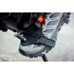 Miếng lót bảo vệ giày khi đi xe số móc