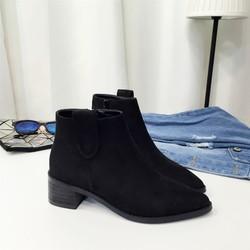 Boot nữ cổ ngắn đế trệt đơn giản hiện đại
