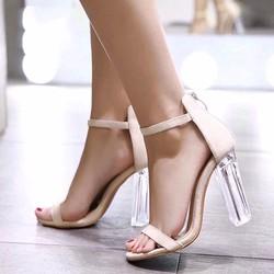 Giày cao gót nữ hiện đại, màu sắc trẻ trung, thời trang mới