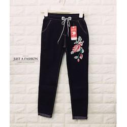 Quần baggy jeans thêu hoa