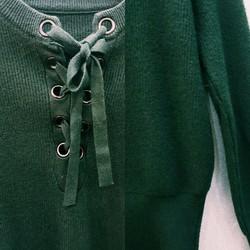 Áo len buộc dây