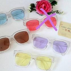 kính V trong nhiều màu