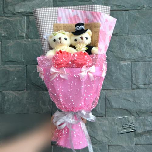 Hoa gấu bông dâu rể