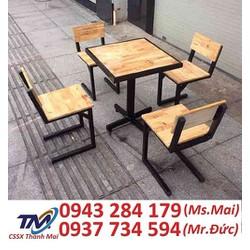 Cần thanh lý gấp 200 bộ bàn ghế dùng cho quán cafe .