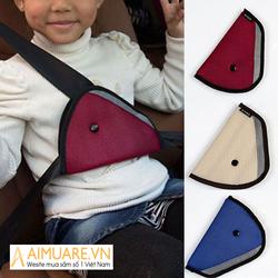 Bộ 2 tấm hỗ trợ đai an toàn cho bé trên xe ô tô