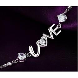 LẮC TAY CHỮ LOVE ĐÍNH ĐÁ