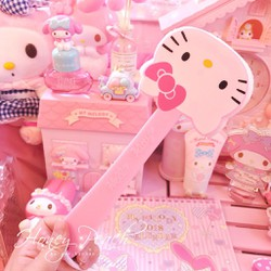 Cọ tắm Hello Kitty
