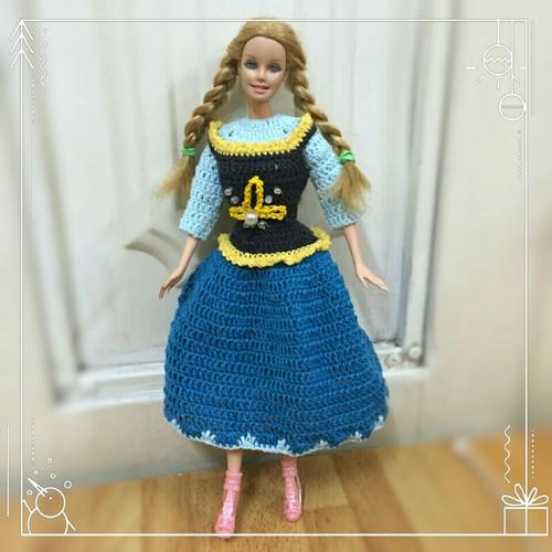Bộ đồ len Babie Fairytale - công chúa Anna Frozen kèm vương miện