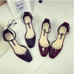 Giày Sandal gót vuông bít mũi 5cm - Màu đen