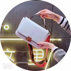 Túi xách quảng Châu - Chất lượng- Giá cả hợp lí