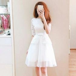 Đầm ren xòe công chúa