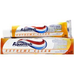 Kem đánh răng Aquafresh Whitening Action Trắng sáng  158g