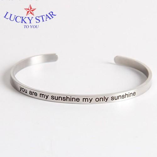Vòng tay khắc chữ YOU ARE MY SUNSHINE MY ONLY SUNSHINE