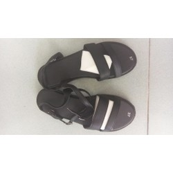 Sandal hai quai ngang màu đen