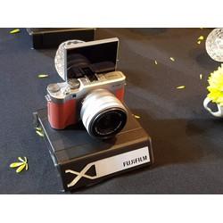 Fujifilm X-A5vàKit 15-45 mm F 3.5-5.6 OIS PZ