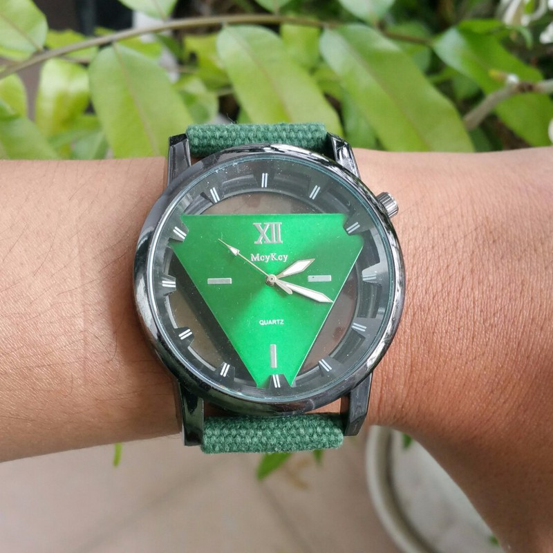 Đồng hồ nam dây vải , đồng hồ tam giác McyKcy 15
