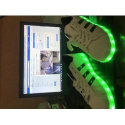 Giày phát sáng mẫu adidas, đèn led 7 màu cực chất cho cả Nam và Nữ