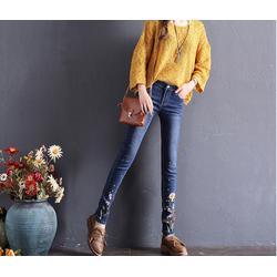 Quần jean nữ thêu hoa thời trang hot 2018 - JT68