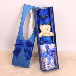 Hộp quà dài gấu và hoa hồng sáp 3 bông Xanh Dương bởi WinWinShop88