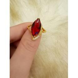 Nhẫn nữ mặt đá mệnh hỏa