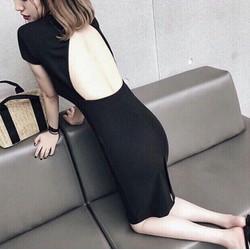 Đầm body khoét lưng