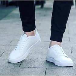 Giày sneaker nam kiểu dáng trẻ trung