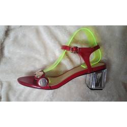sandal đế vuông