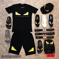 bộ đồ thể thao in hình con mắt
