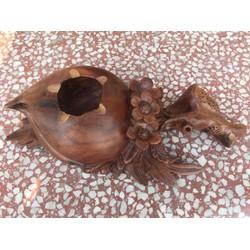 Gạt tàn thuốc gỗ gù hương hình quả đào