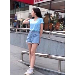 Áo phông nữ đắp túi màu xanh