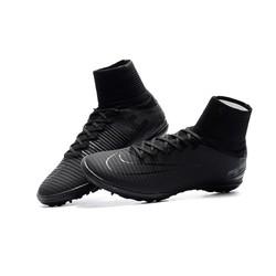 Giày đá bóng