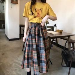 Áo thun vàng hình cô gái
