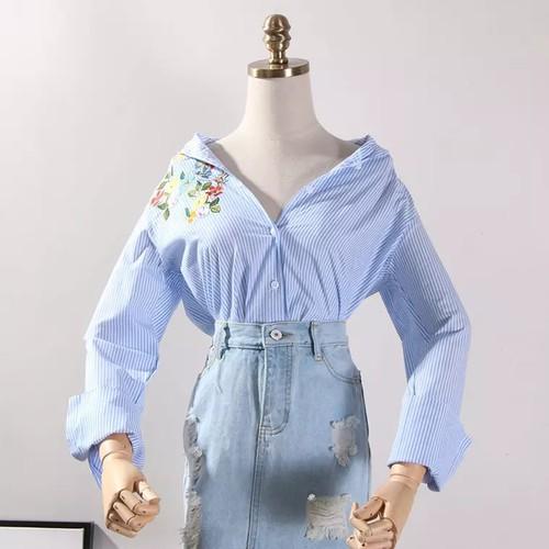 Áo sơ mi nữ sọc xanh in hoa siêu đẹp