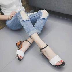 Giày gót thấp phong cách hàn quốc