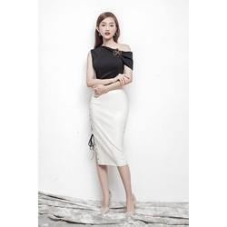 Đầm body lệch vai đen phối trắng