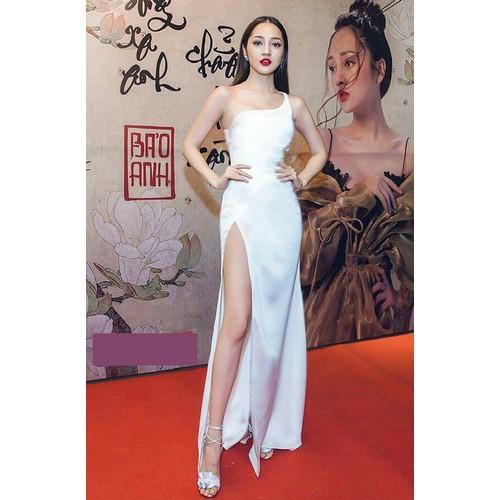Đầm dạ tiệc trắng lệch vai
